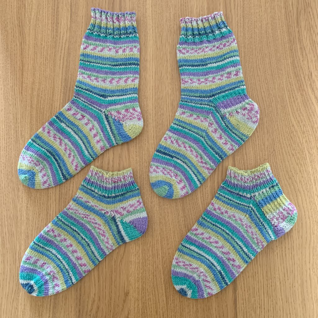 ソックヤーン毛糸1玉で2足の靴下♪