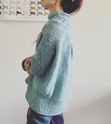 Bright Sweater着画(その2)